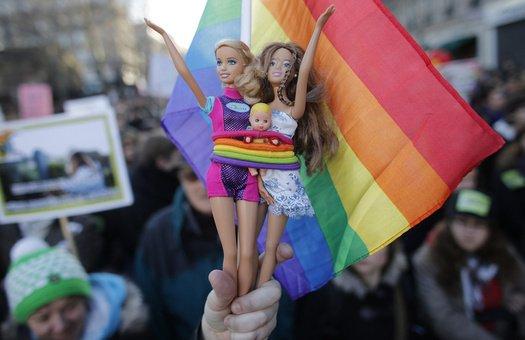 обсуждение разных тем на гей форумах