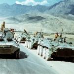 public://uploads/photos/evstafiev-afghan-apc-passes-russian.jpg