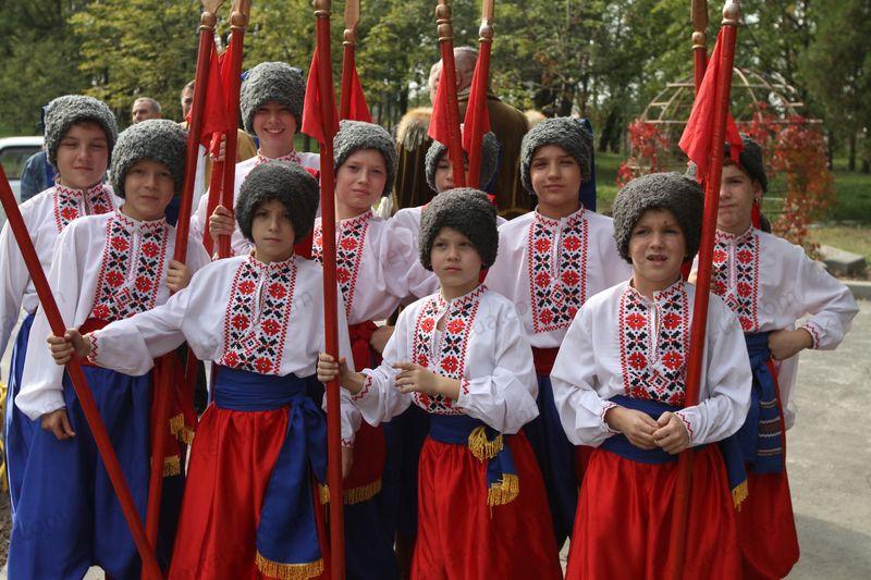 Вихідні в жовтні 2016 - Україна відзначає День козацтва