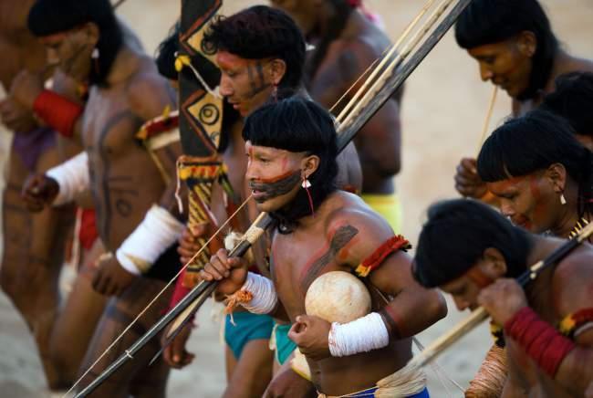 играют ли равнинные индейцы в азартные игры